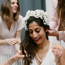 Touche finale de votre mise en beauté, la coiffure est un aspect important de votre look, au coeur des tendances coiffures mariages