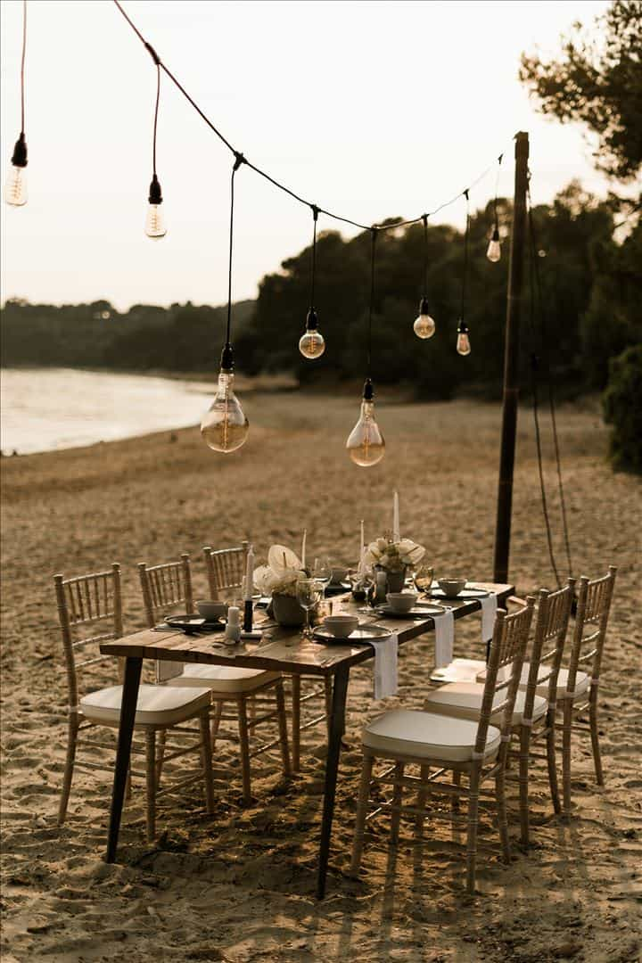 Inspiration mariage - Minimal Sea - Cigales et Petits Fours - Mariages en Provence