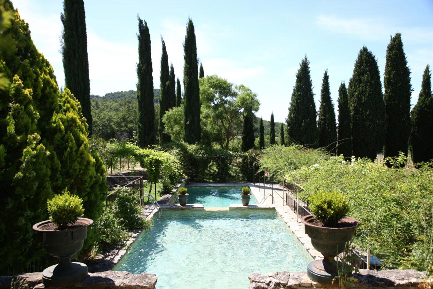 Comment choisir le lieu de réception de votre mariage en Provence ?